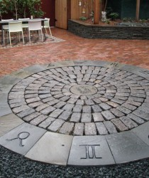 permeable entertaining area in minneapolis using historic cobble