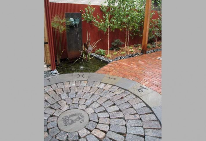 permeable granite cobbles and fountain in minneapolis